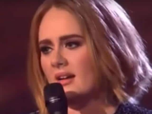 Adele sported a new hairdo at the X Factor UK finale. A short crop, it had much curls.