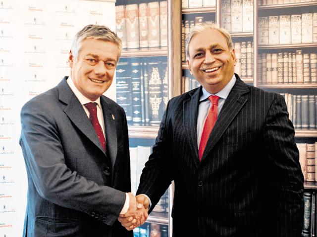 CP Gurnani, CEO and MD, Tech Mahindra (right) with Paolo Pininfarina, chairman Pininfarina SpA. Tech Mahindra and parent Mahindra & Mahindra will purchase 76.06% shares of Pininfarina from the current controlling shareholder Pincar.