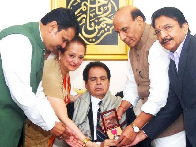 Union home minister Rajnath Singh presents Padma Vibhushan award to Dilip Kumar, at his residence, on Sunday. Also seen Maharashtra governor C Vidyasagar Rao and Maharashtra chief minister Devendra Fadnavis.