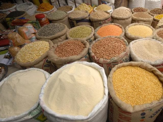 Wholesale food prices in November gained 5.20% year-on-year, compared with a provisional 2.44% rise in October.