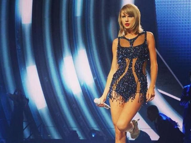 Taylor Swift's new concert film, 1989 World Tour LIVE, will debut on Apple Music on December 20.