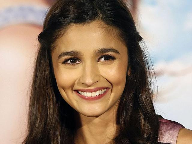 Alia Bhatt tweeted later that her face was fine and the accident that took place was preventable.