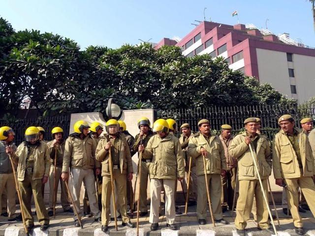Heavy police force at Delhi Secretariat during a CBI raid in New Delhi on Tuesday.