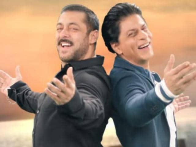 Shah Rukh Khan and Salman in a teaser for Bigg Boss 9 mega weekend episode.