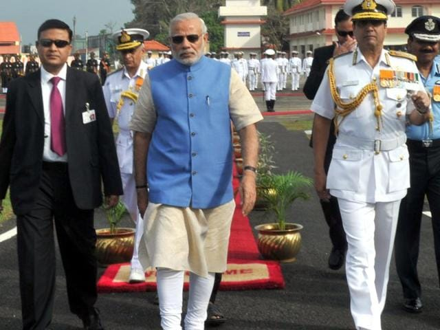 Prime Minister Narendra Modi receives a Guard of Honour in Kochi, Kerala. The chiefs of the three defence forces' were also present for the Combined Commanders Conference.