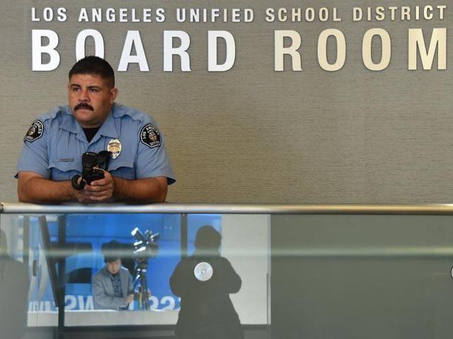 Los Angeles,Security threat,Public schools