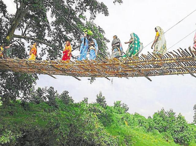 Bihar,Tribals,Bamboo bridge