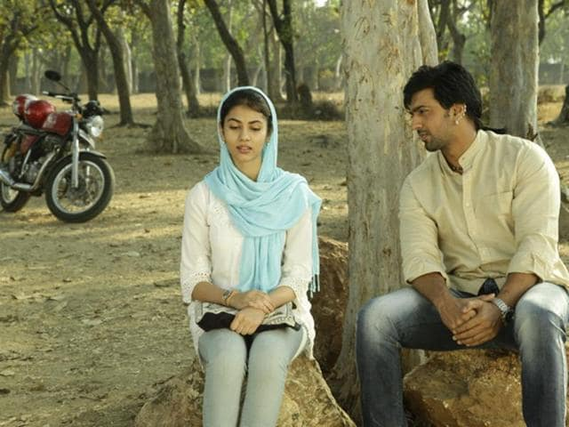 Aparna Sen's adaptation of Romeo and Juliet called Arshinagar stars Dev and Ritika in the lead.