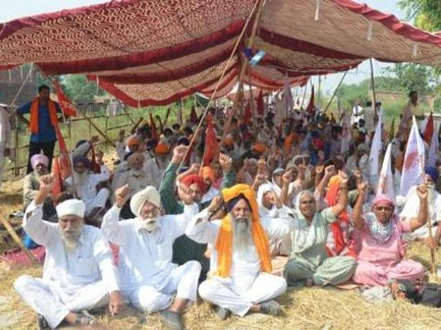Over a dozen organisations of farmers and labourers have warned of protest in Badal village if their demands are not met.