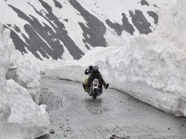 The 434-kilometre road remains closed for over four months during winter due to heavy snowfall around Zojila Pass.