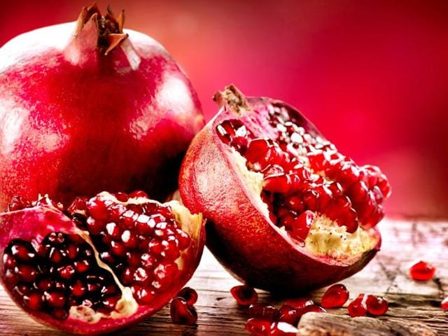 Researchers say that to enjoy the health benefits of pomegranate, it's better to use the fresh fruit. Even the fruit's juice should be taken without any added sugar for maximum benefit.