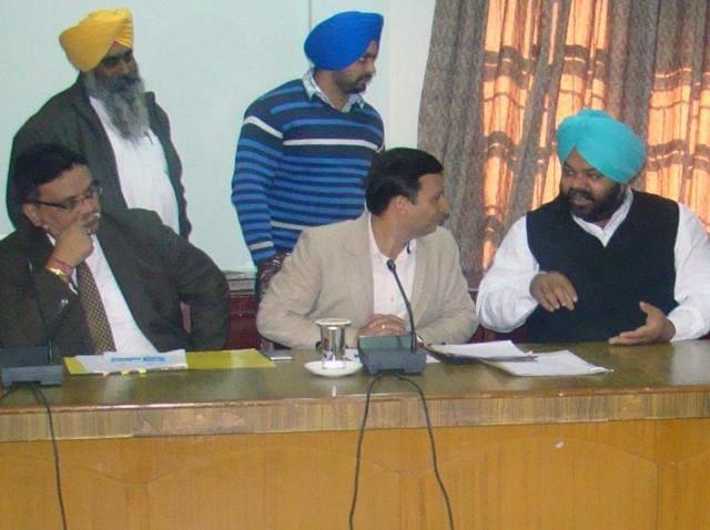 Ravi Bhagat,development,Pradeep Sabharwal