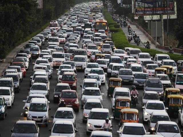 The Supreme Court banned the registration of new diesel luxury cars and SUVs with an engine capacity of over 2000 cc until March 31 in a bid to clean up Delhi's filthy air.