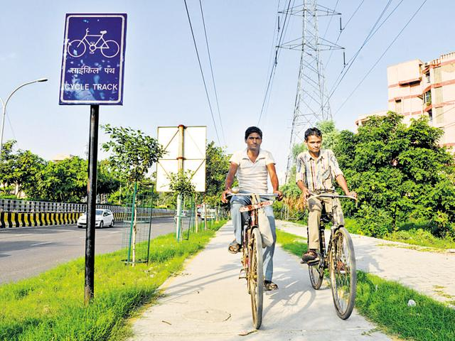 Factory owners have urged authorities to make existing cycle tracks free of encroachments.