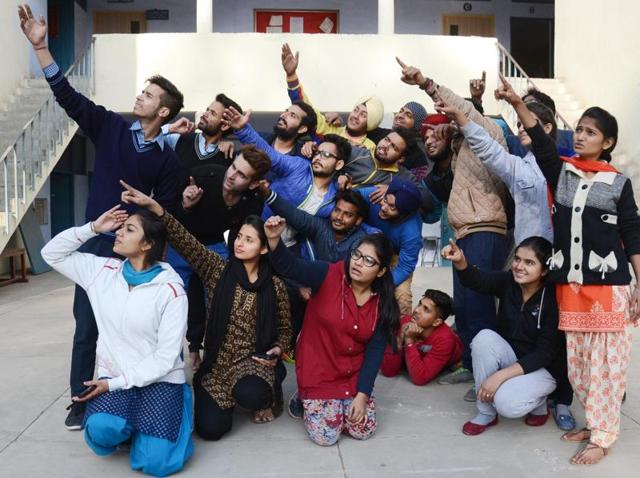 Dastak's theatre training workshop dedicated to women-centric issues