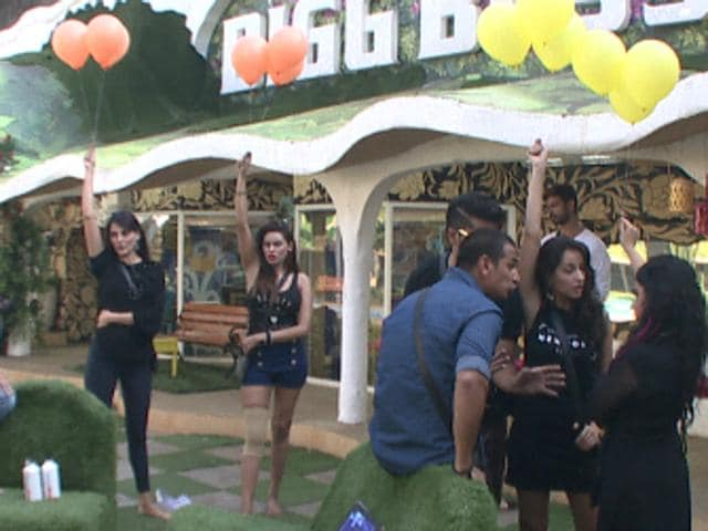 The housemates in the middle of the week's task.