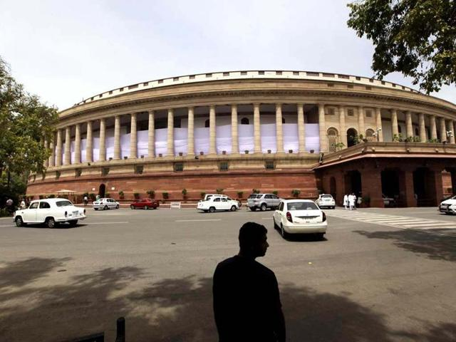 Lok Sabha,Commercial benches,High courts