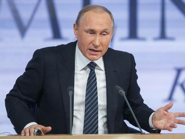 Russian President Vladimir Putin announced that he was fully behind the US-backed draft resolution aimed at cutting off the revenue flows of the Islamic State group.