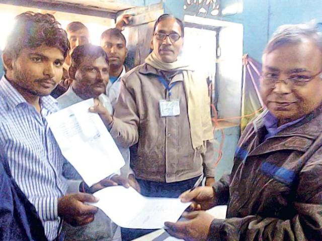 Teenager Gajendra Singh, whose mother is the block pramukh or chief, defeated eight rivals. He polled 694 votes while his nearest rival, Pooran Singh, got 437.