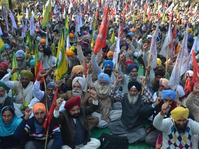 The protesting farmers demanded that the Centre have an MSP for basmati in order to stop farmers from being looted by traders.