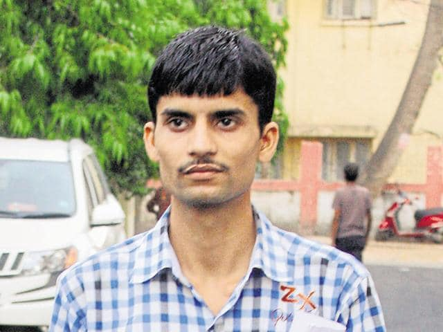 Ashish Chaturvedi who claims to be an RSS volunteer told Hindustan Times that he had never faced such situation before.