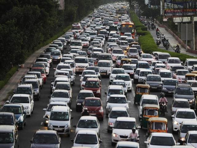 A majority of the Delhiites who were asked about the controversial odd-even vehicle registration scheme that will be implemented in January said it is likely fail if the  Kerjiwal government did not back it up with a comprehensive plan.