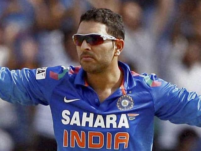 Yuvraj Singh is eyeing a comeback in Team India after his impressive scores in Vijay Hazare trophy with an aggregate of 341 runs for Punjab with a run of 93, 36, 36, 78 not out and 98.(PTI File Photo)
