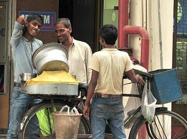 A-roadside-chole-kulche-vendor-at-Sector-17-in-Chandigarh