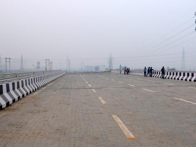The Road originates from Kharar, passes through industrial area of SAS Nagar and joins Zirakpur-Patiala highway.