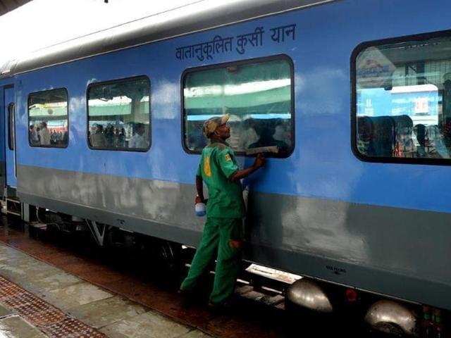 Ministry of Railways,Shramjeevi Express,Suresh Prabhu