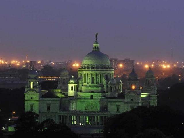 In case of a fire in Victoria Memorial, gas-based or chemical-based extinguishers will have to be used to save the paintings.