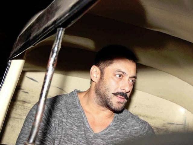 Salman Khan was spotted taking an auto-rickshaw