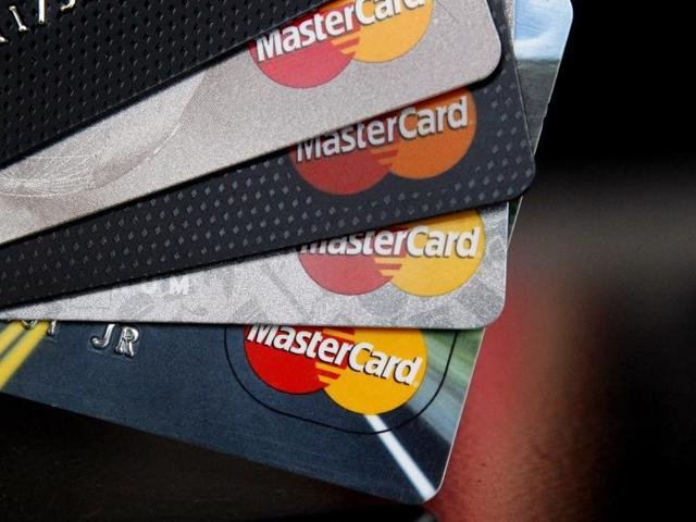 The government had proposed income tax benefits for people making payments through credit or debit cards.(Shutterstock image)