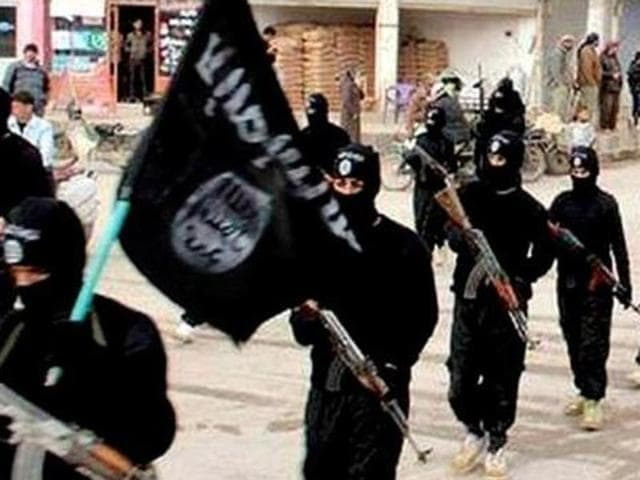 The three young men who have been missing for more than a month are believed to have joined the Islamic State group, according to Mumbai police.