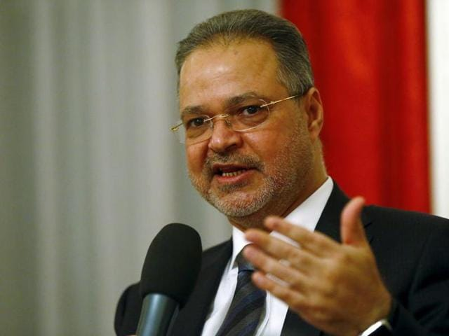 Yemeni foreign minister Abdel-Malek al-Mekhlafi said the much-violated ceasefire will be extended for seven days after it officially expires on Monday.