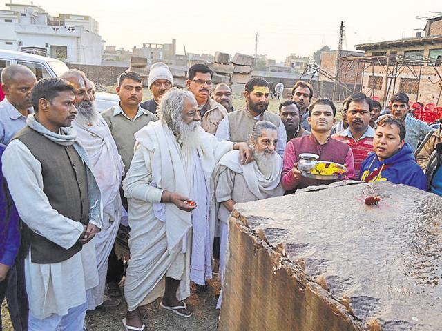 Ram Janmabhoomi Nyas president Mahant Nritya Gopal Das does 'shila pujan' at VHP office in Ayodhya, on December 20.