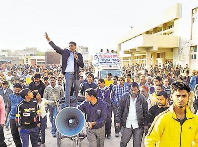 On Tuesday, people observed a bandh in various parts of Ferozepur and Fazilka districts to demand Doda's arrest.