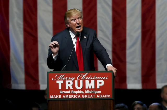 U.S. Republican presidential candidate Donald Trump addresses the crowd during a campaign rally in Grand Rapids, Michigan, December 21, 2015.