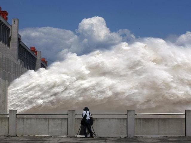The Wudongde project, located upstream from three other hydropower stations on the Jinsha River, the upper section of the Yangtze, is the world's 7th largest in operation or under construction, said Lu Chun, chairman of the China Three Gorges Corporation.