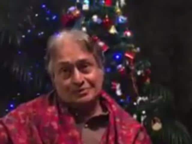 Ustad Amjad Ali Khan plays Jingle Bells on his sarod.