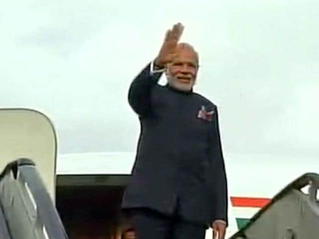 PM Modi is meeting his Pakistani counterpart Nawaz Sharif on his birthday at the Lahore airport.