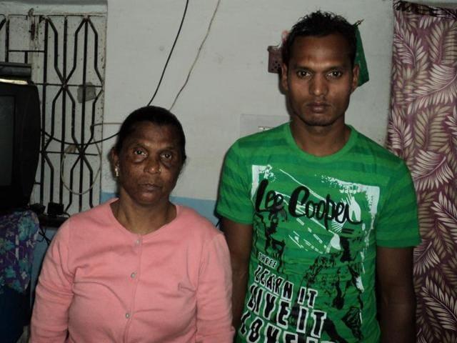 Aneesa Bi with her son Yusuf.(HT photo)