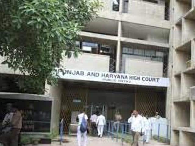 The court said that after a public servant lodges an FIR regarding an assault on him while he was performing his official duty, he loses the locus standi to reach a compromise with the accused.