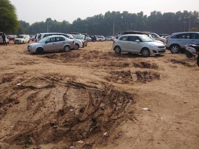 The situation becomes even more difficult during the rain, as the parking area becomes sludgy, thereby causing trouble in parking vehicles.