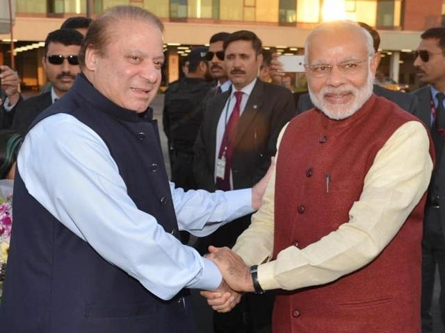 PM Modi's visit to Lahore to meet Nawaz Sharif on his birthday has displayed New Delhi's political intent in ample measures for meaningfully engaging Pakistan.(Reuters)