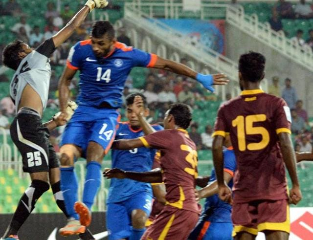 Players of India and Sri Lanka in action during their SAFF Suzuki Cup 2015 match in Thiruvananthapuram.