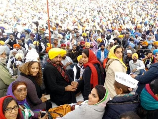 Putting Punjab in poll mode, Aam Aadmi Party (AAP) chief Arvind Kejriwal announced his plan to kick-start his party's election campaign with a rally in Muktsar on January 14 whereas the ruling Shiromani Akali Dal (SAD) and the Congress also sharpened their attacks on each other on a politically electrifying Sunday.