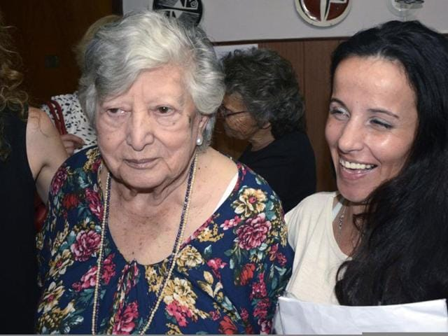 """Maria """"Chicha"""" Mariani and the woman who was thought to be her granddaughter."""