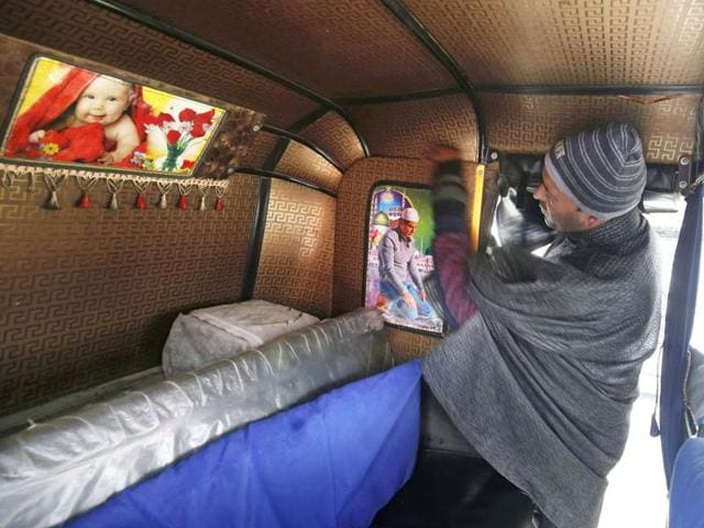 Srinagar: A number posters of  Bollywood stars can been seen in autos across city.