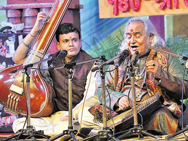 Channu Prasad Mishra performing during the Harivallabh Sangeet Sammelan in Jalandhar on Sunday.